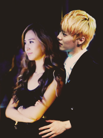 Yuri- Luhan Backstage By Lee midah
